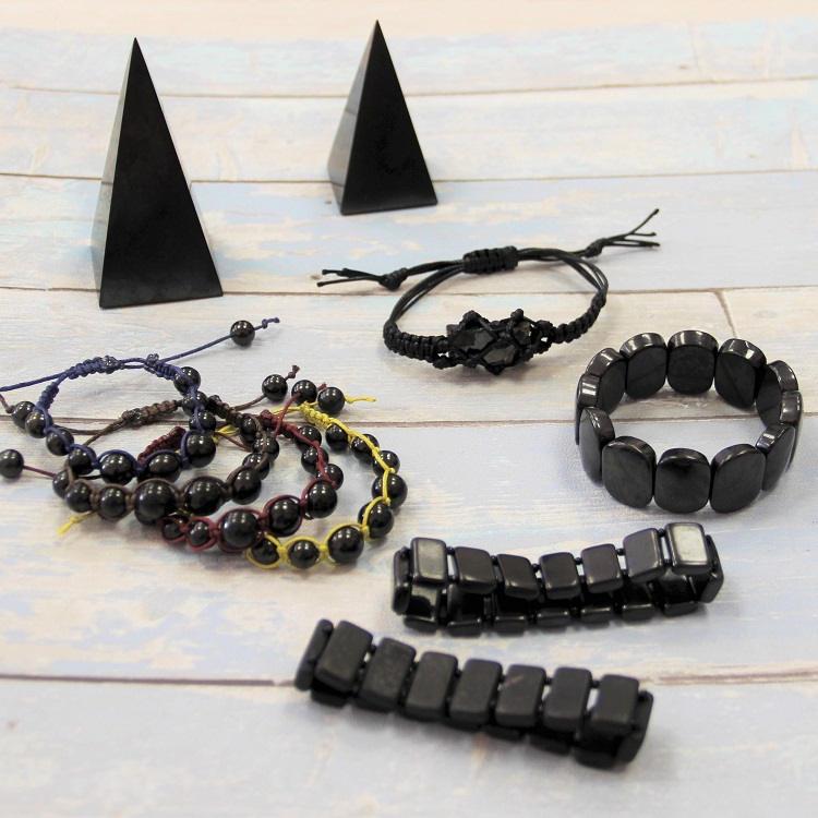 handmade-shungite-bracelet-for-emf-protection