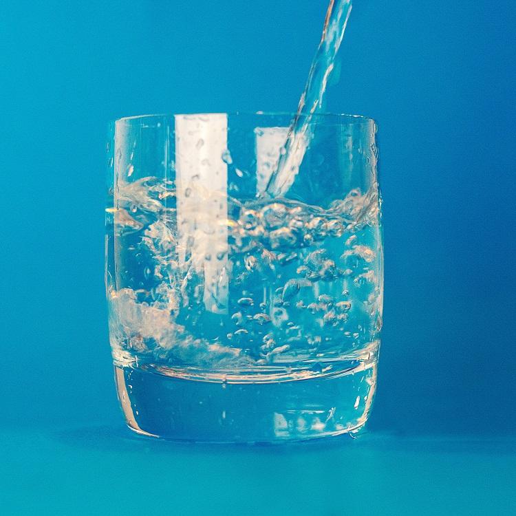 shungite-fullerene-water