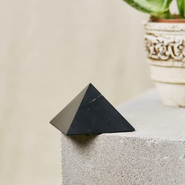 50 mm Polished shungite pyramid from Russia for Sale