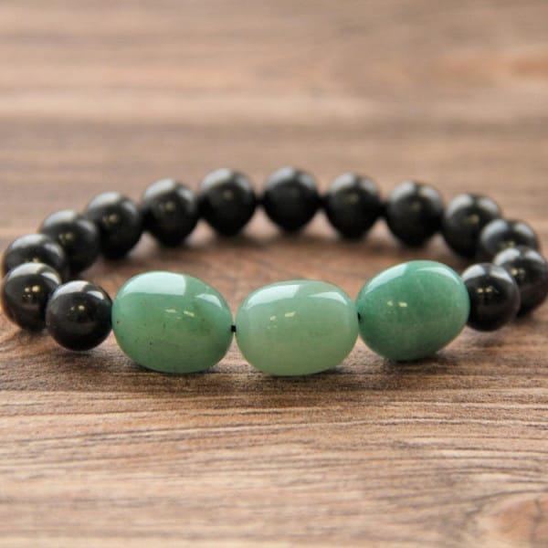 Shungite bracelet with round shungite beads and green aventurine tumbled beads