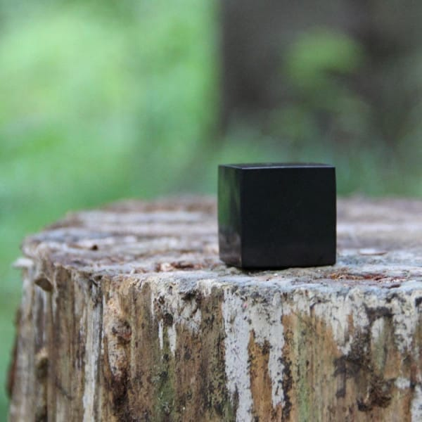20 mm Polished shungite cube