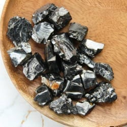 Raw elite shungite stones set 1 kilo (5-15 grams each)