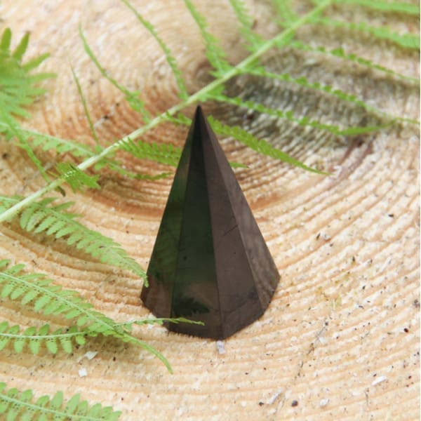 Polished octagonal shungite pyramid 70 mm