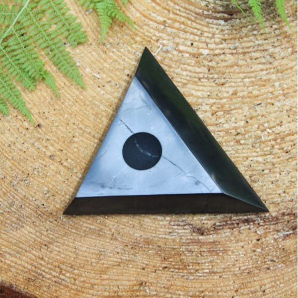 Small shungite stand for a sphere or an egg (30-50 mm)