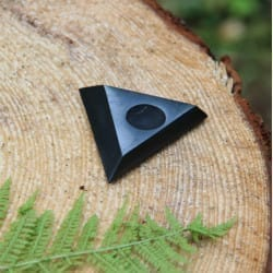 Medium-sized shungite stand for a sphere or an egg (60-80 mm)
