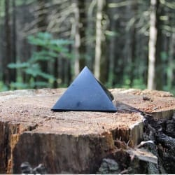 40 mm Polished shungite pyramid