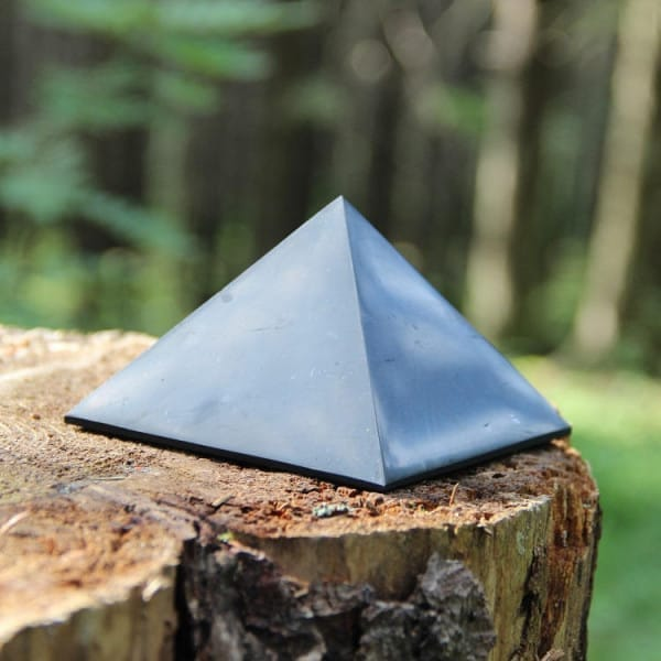 70 mm Polished shungite stone pyramid for Sale