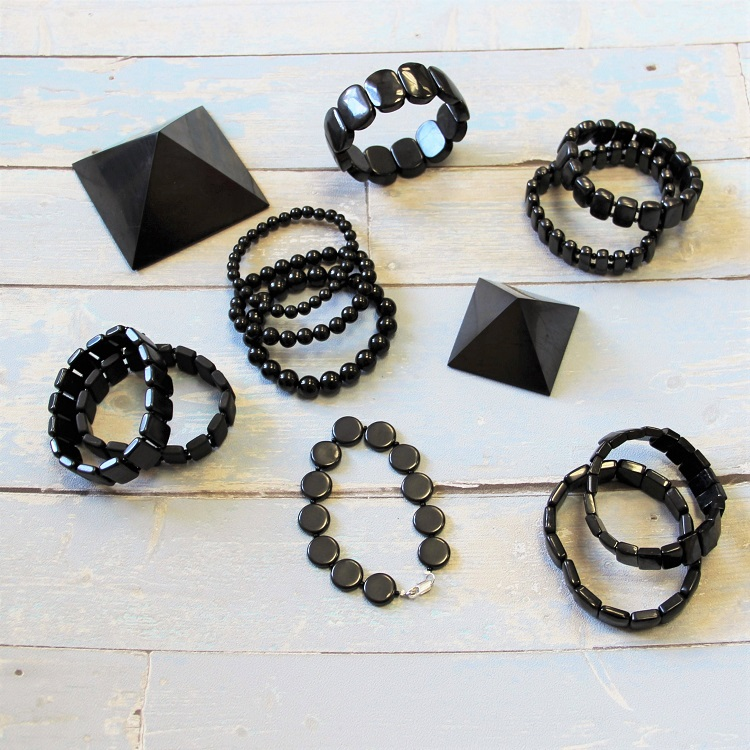 shungite-stone-bracelets-for-emf-protection